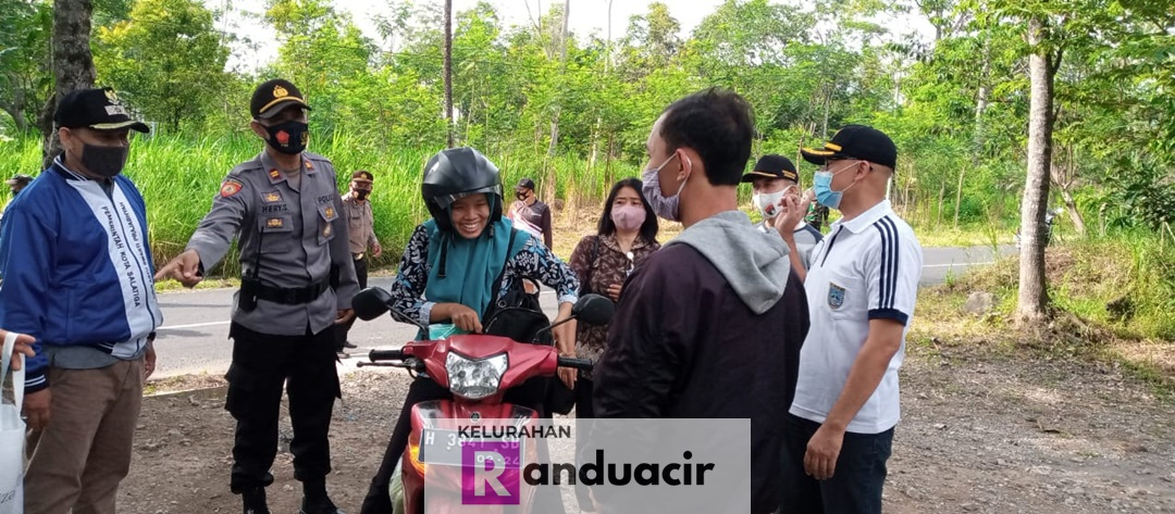 Assessment Protokol Kesehatan/Edukasi Operasi Masker di Puskesmas Pembantu Ploso Randuacir