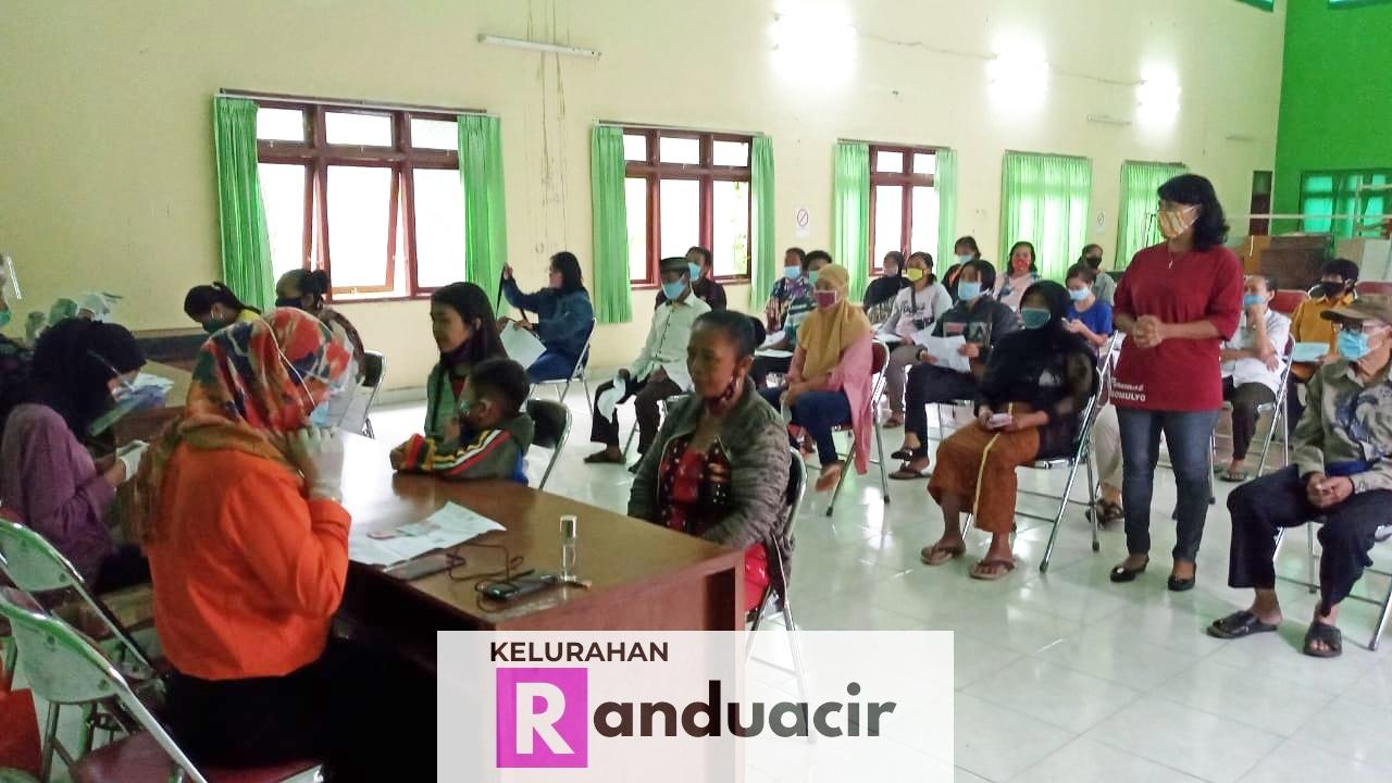 Penyerahan Bantuan Sosial Tunai Bulan Januari 2021